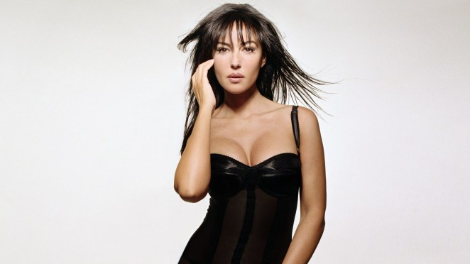 Sexy Monica Bellucci HD Wallpaper (36)