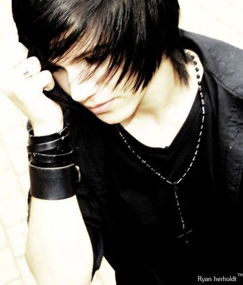 Emo Hairstyles for Guys - 06