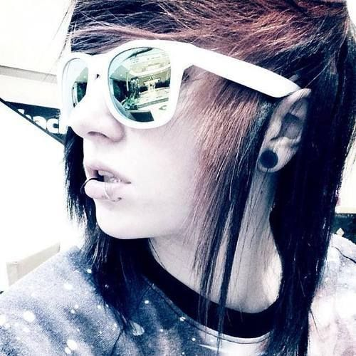 Emo Hairstyles for Guys - 19