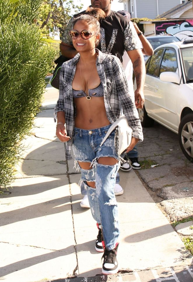 christina-milian-ripped-jeans-1