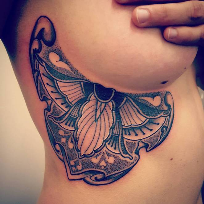 sideboob-tattoos-butterfly-wing-design