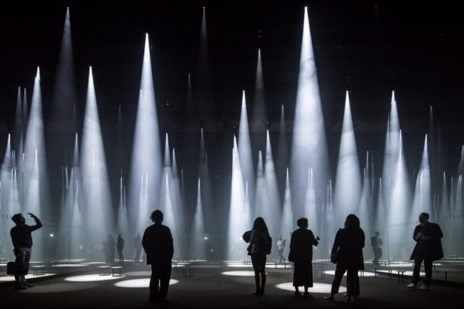 Photographer Laurian Ghinitoiu's photo of Sou Fujimoto's Forest of Light installation, designed for fashion brands COS at Milan Design Week. Another work also involved in the nomination category dedicated to the photograph of a corner of Lyon History Museum, taken by photographer Fabrice FOUILLET. Two men working on the roof at Allianz headquarters in Zurich in the photo has reached the lens of photographer Adrien Barakat. The building was designed by architect Wiel Arets. Julien Lanoo had taken a woman sleeping under the roof within the Independence Square in Accra Ganna when he entered it. The last photo of 5 shots fall into this category is the picture of the Dharavi slum of Mumbai taken by Torsten Andreas Hoffmann photographer.