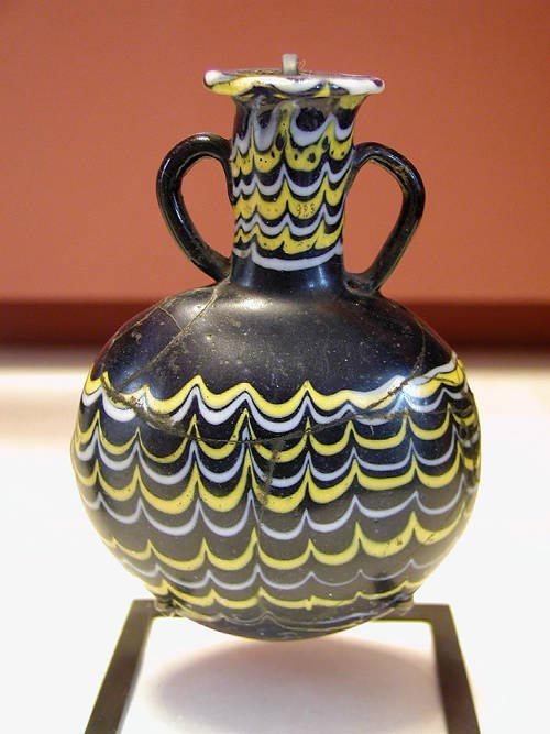 Egyptian_glass_jar