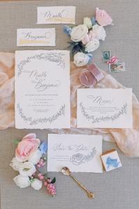 flat lay faire part mariage fine art en Seine-et-Marne