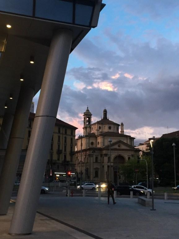 Milan at sunset (Photo credit: https://lavaleandherworld.wordpress.com)