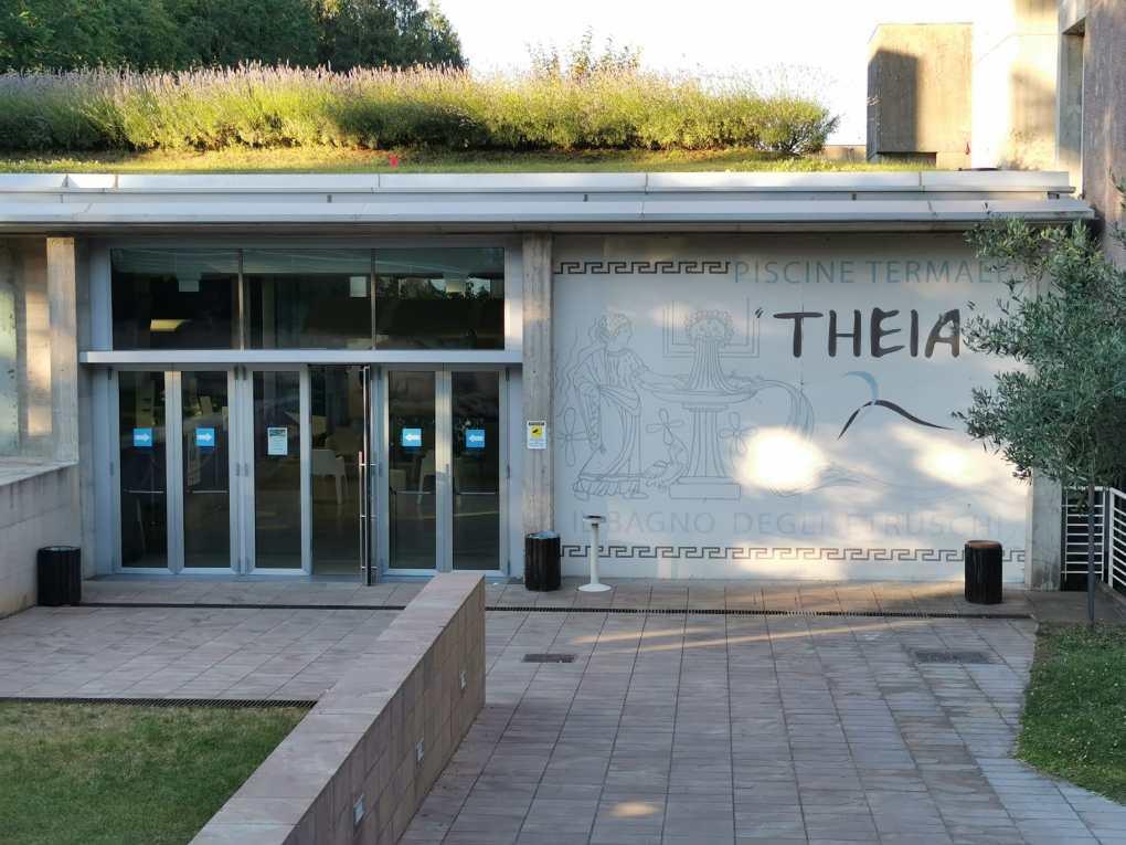 ingresso piscine theia
