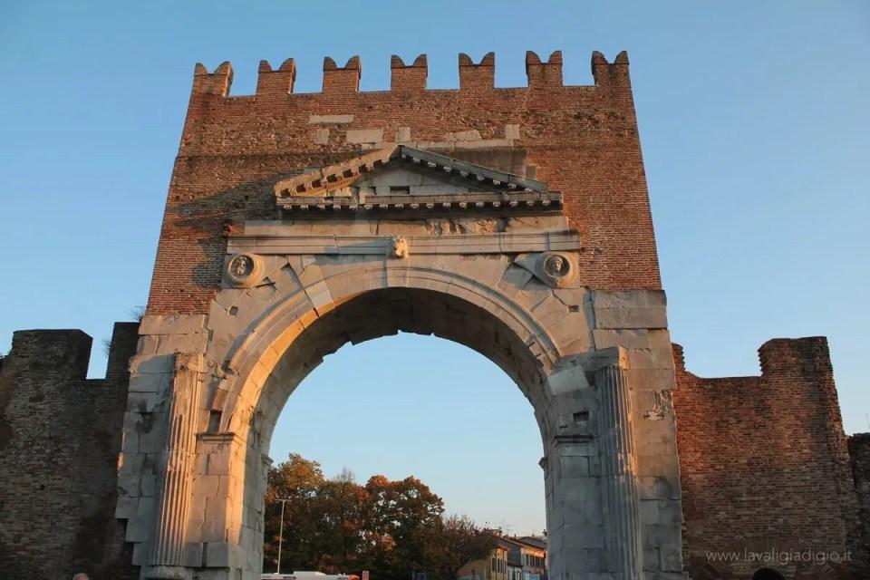 cosa vedere a Rimini arco