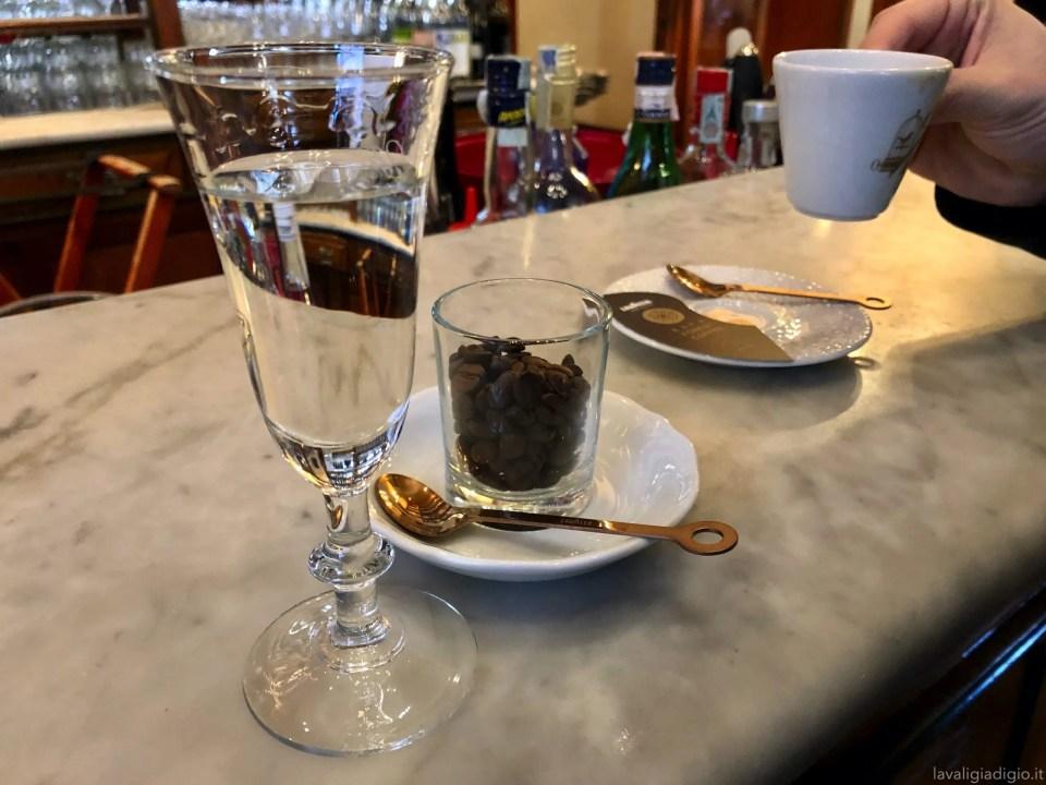 cosa vedere ad Ascoli Piceno in un giorno Caffè Meletti