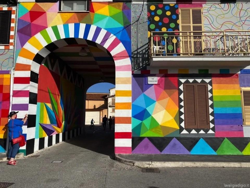 murales di Aielli - okuda san miguel