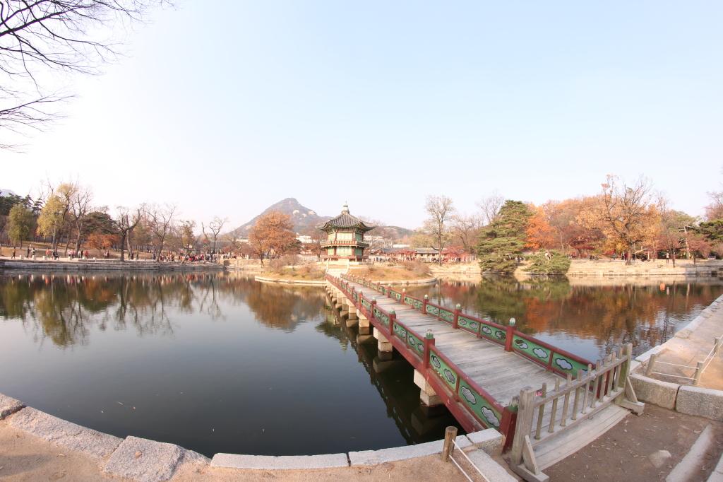 gyeongbokgung palace date
