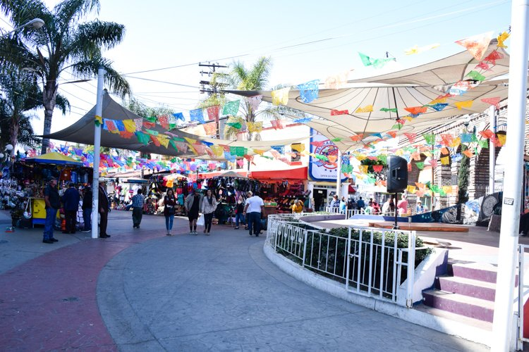 Things to do in Tijuana, Plaza Saint Cecilia
