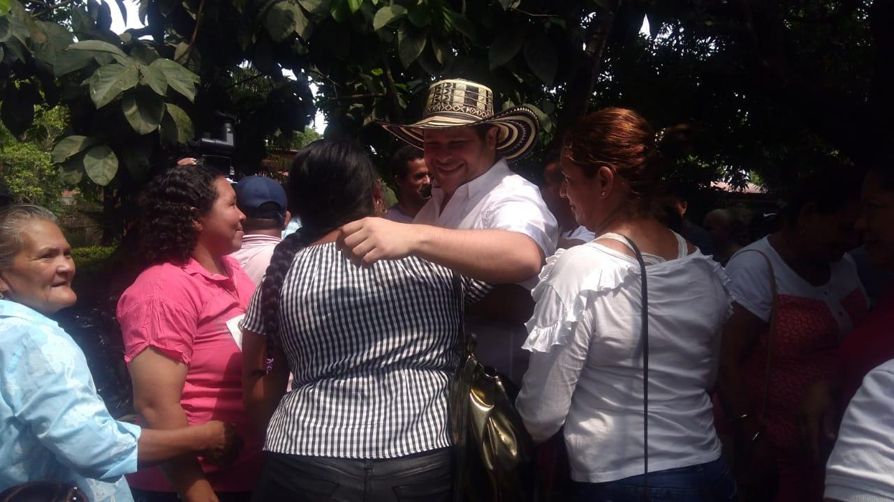 Ver colombia ecuador online dating