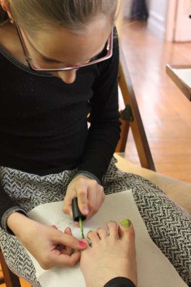 """Getting my """"good luck"""" nail polishing from Elizabeth: a race tradition."""
