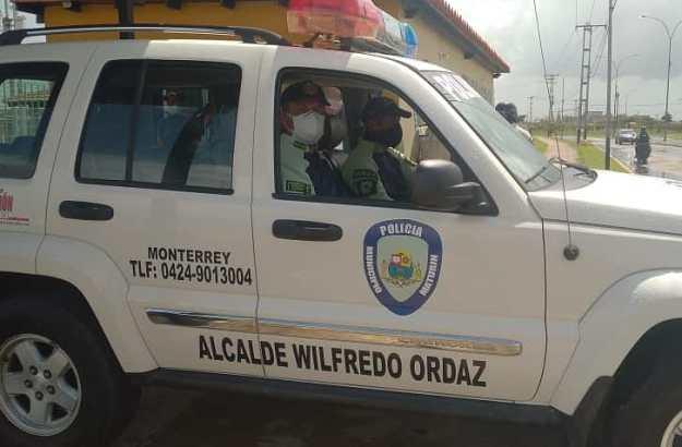 laverdaddemonagas.com alcalde wilfredo ordaz entrega unidad radio patrullera a estacion policial moterrey 1