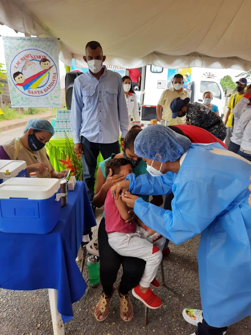 120 ninos de santa barbara atendidos en jornada pediatrica laverdaddemonagas.com whatsapp image 2021 05 27 at 8.32.35 pm 1