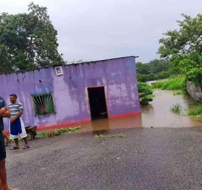 rio caripe en caripito inundo mas de 20 viviendas en el municipio bolivar laverdaddemonagas.com whatsapp image 2021 06 05 at 6.21.33 pm 1