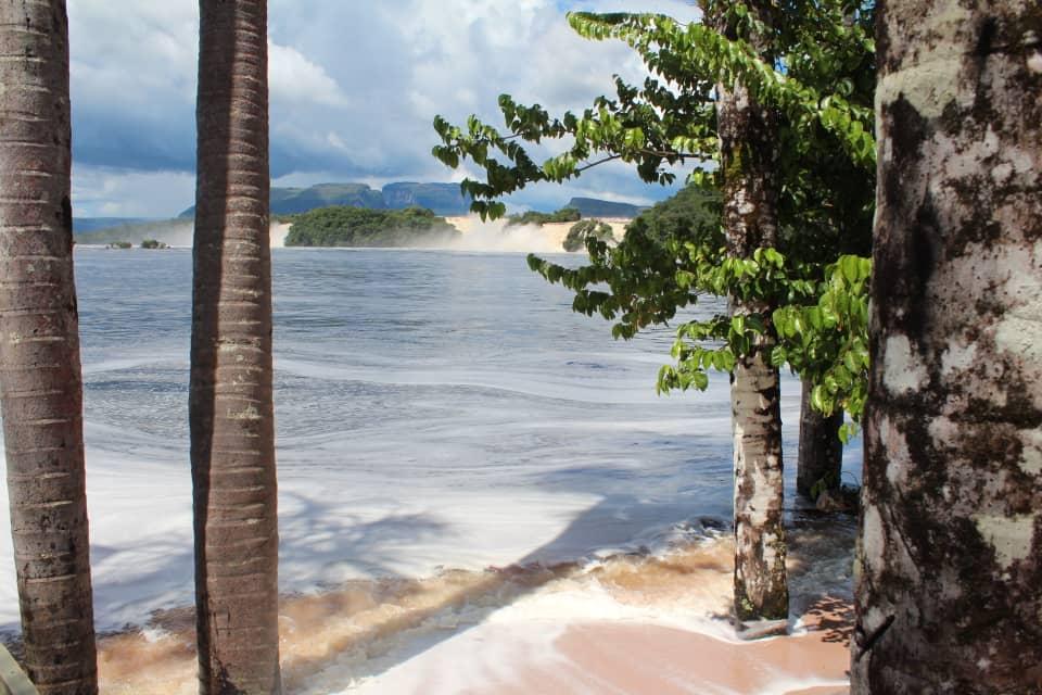 masiva afluencia de turistas nacionales en campamento canaima laverdaddemonagas.com canaima 4