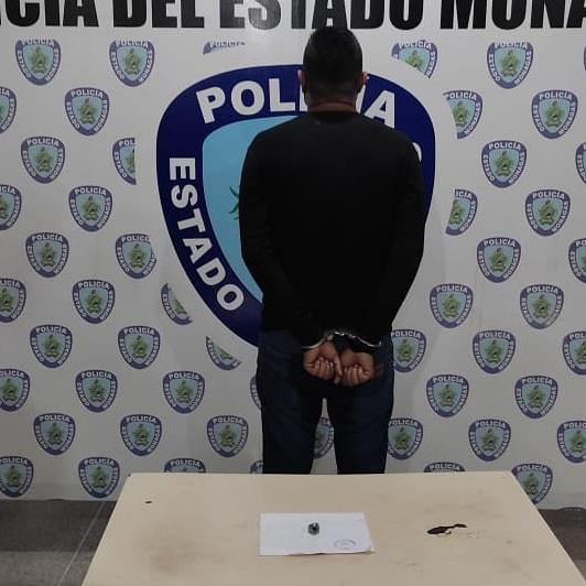 polimonagas lo detuvo en sector alberto ravell por robar a un ciudadano laverdaddemonagas.com whatsapp image 2021 08 26 at 10.00.41 am