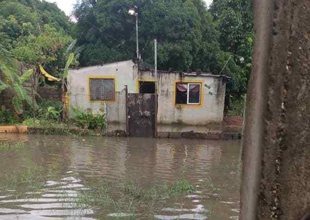 Casa afectada por las fuertes lluvias en El Rosillo.