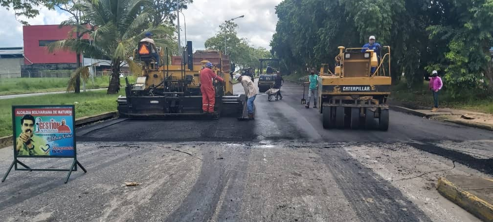 alcaldia de maturin coloca 200 toneladas de asfalto en la avenida libertador laverdaddemonagas.com asfaltado 2