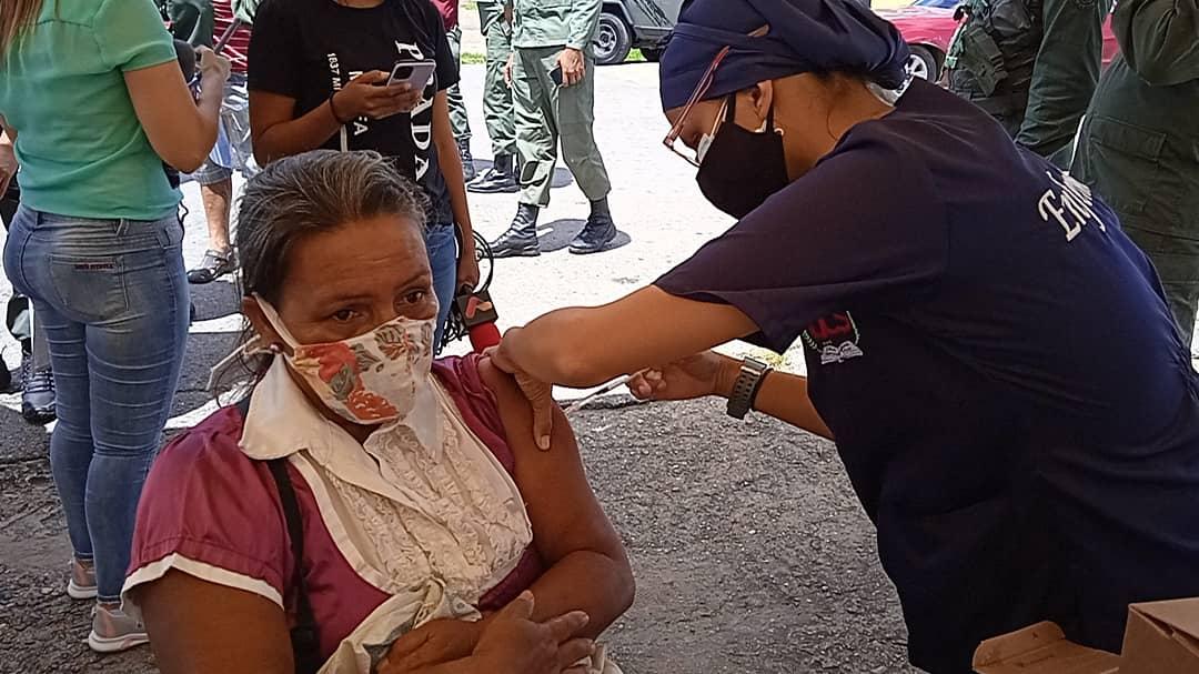 arranco jornada de vacuna anticovid en mercados populares laverdaddemonagas.com vacunacion 2