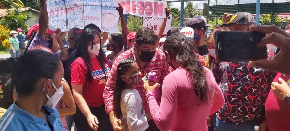 ernesto luna lleva asistencia integral a las comunidades vulnerables laverdaddemonagas.com ernesto 2 1