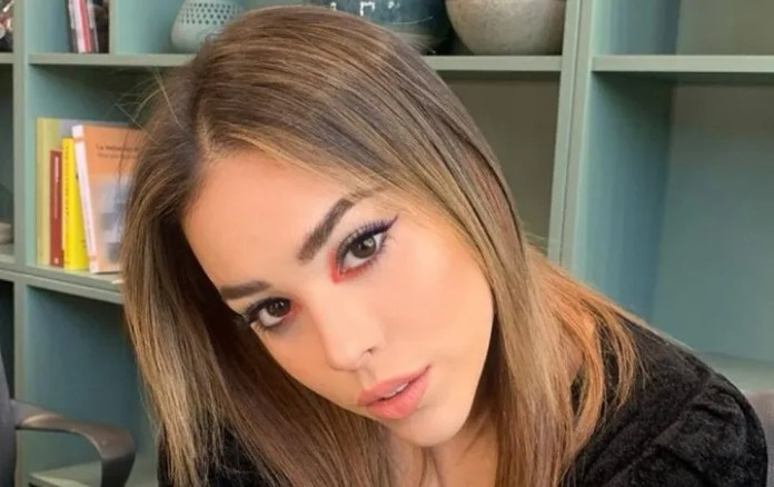 Danna Paola boasts a sculptural body after doing cardio