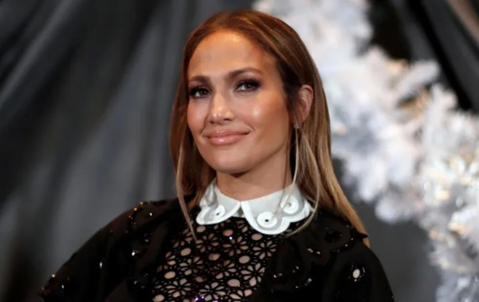 What?! Jennifer Lopez remembers romantic moment next to a famous actor