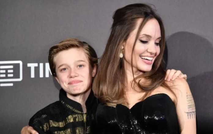 Shiloh Jolie Pitt conquest social networks as the CLONE of his dad