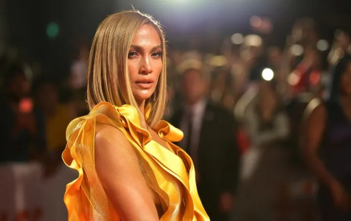 Jennifer Lopez shows itself to be against racism in the united States