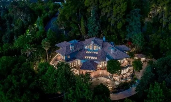 The luxurious mansion of Selena Gomez with a value of more than $ 4 million.