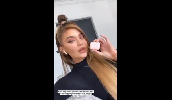 Hairstyles of Kylie Jenner they are perfect for women with hair super long