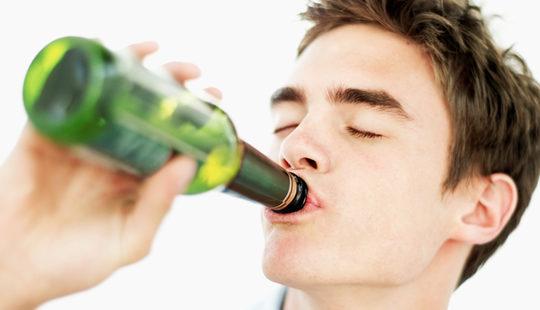 Desde el lunes liberan de horario ventas de bebidas alcohólicas en bares y colmados