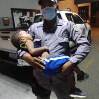 BARAHONA: Niño es hallado en montes; tratan de ubicar familiares
