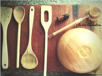 Cucchiai-di-legno-e-arborvitae-logo.jpg