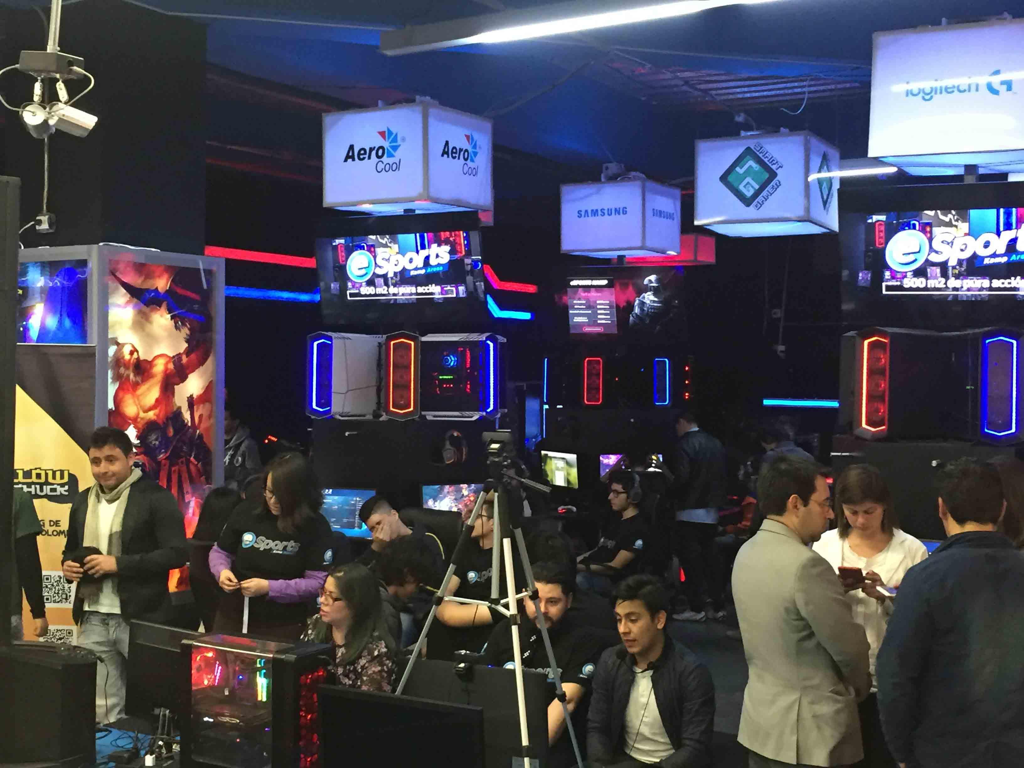 eSports-Kamp-Arena-La-vida-es-un-videojuego-22