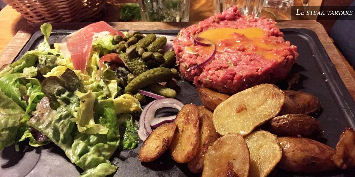 steak tartare - farandole desserts- restaurant l'affiche