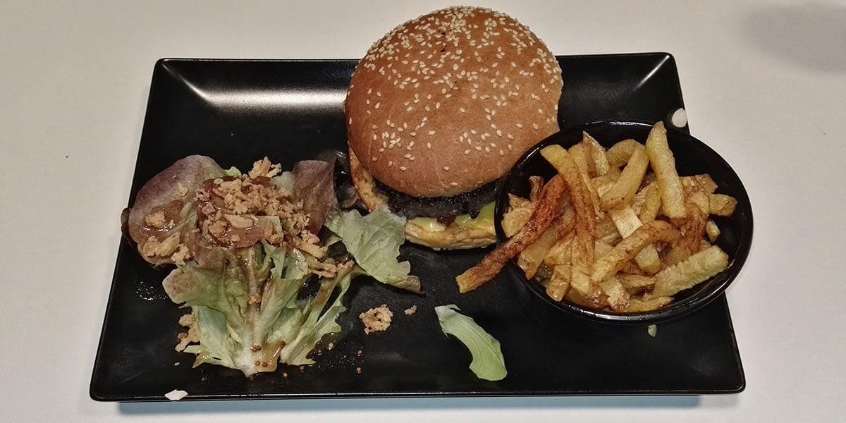 J'ai testé pour vous : le burger le bacon – La maison mère – Osny
