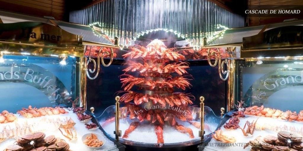 cascade de homard - les grands buffets de Narbonne