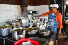La principal atracción de las 'Casetas Turísticas' era la preparación de los alimentos en estufas de carbón. La Villa.