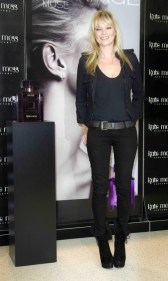 kate-moss-look-total-black