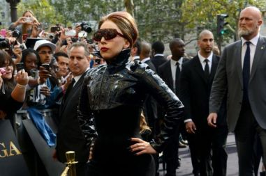 lady-gaga-look-trasgressivo-e-total-black