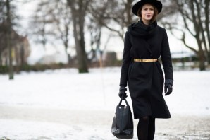 stoccolma-look-modelle-sfilate-cappotto-nero_hg_temp2_s_full_l