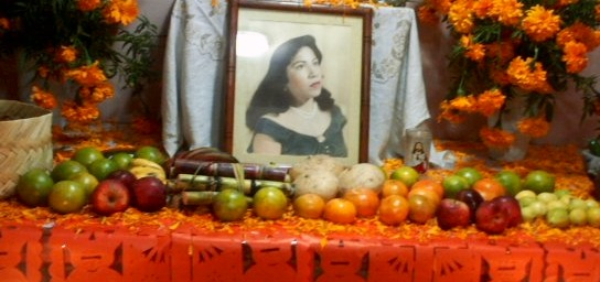 Ofrenda in honor of my grandma Julia.