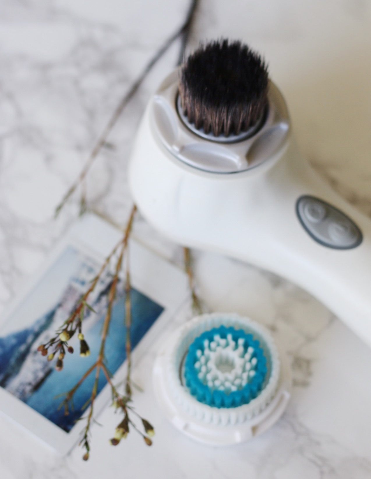 CLARISONIC FOUNDATION BRUSH REVIEW