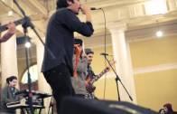 La Vitrola.cl: Drakos – Nuestra Fiesta (en vivo toma de la casa central de la Universidad de Chile)