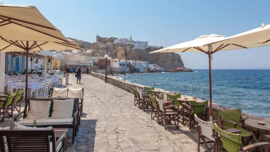 Рестораны на набережной Нисирос