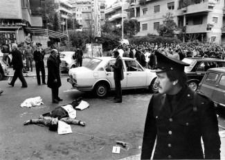Rapimento-Aldo-Moro-Via-Fani-Roma-16-marzo-1978-corpi-scorta-uccisi-wikipedia