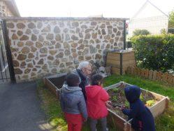 jardiner-en-crèche-1-1084x813
