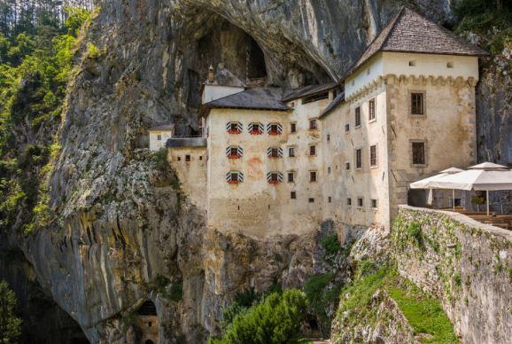 castillo en cueva